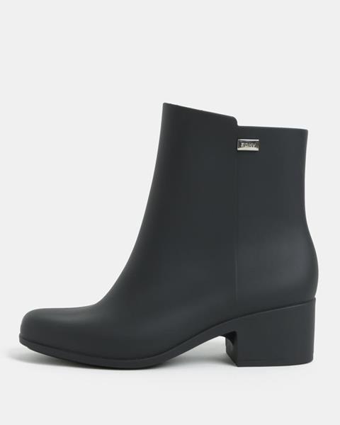 4a25ca3d33 ZĽAVA 51% na Čierne členkové topánky na nízkom podpätku Close Boot ...